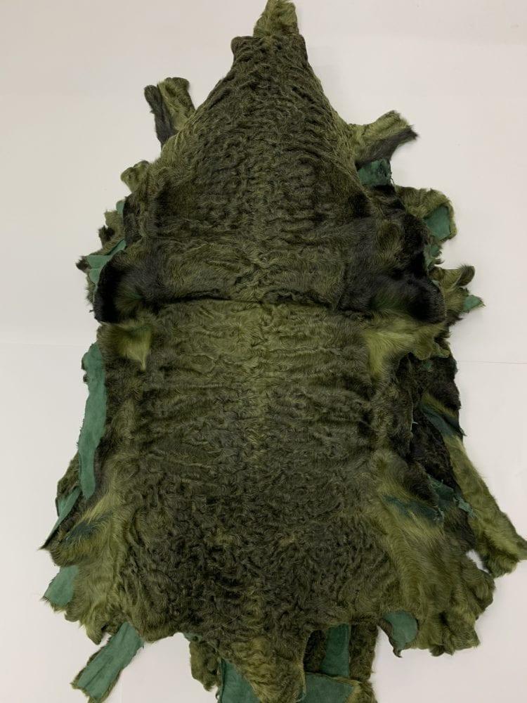 Шкурки каракуля зеленые