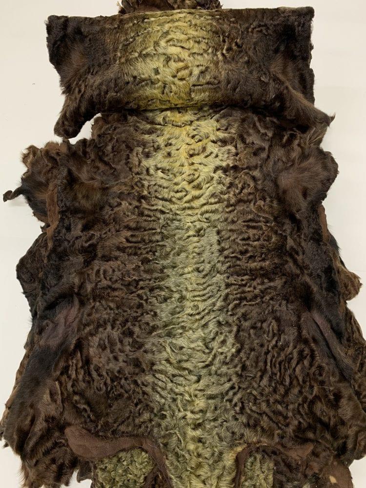 Каракуль крашенный цвет коричневый