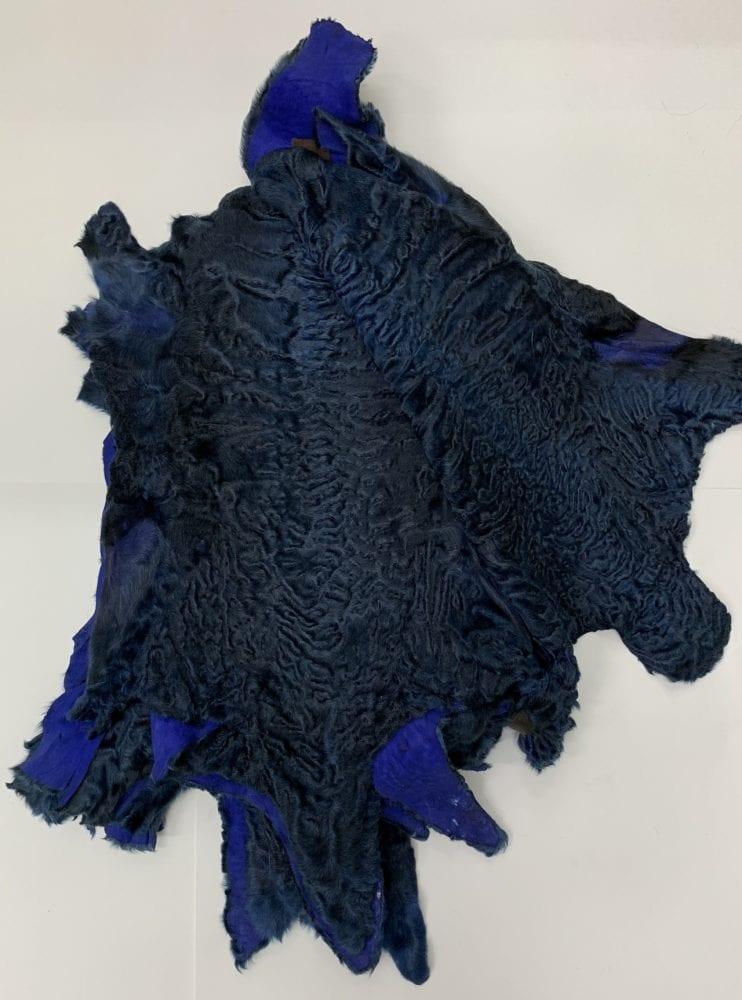 Шкурки каракуля темно синие
