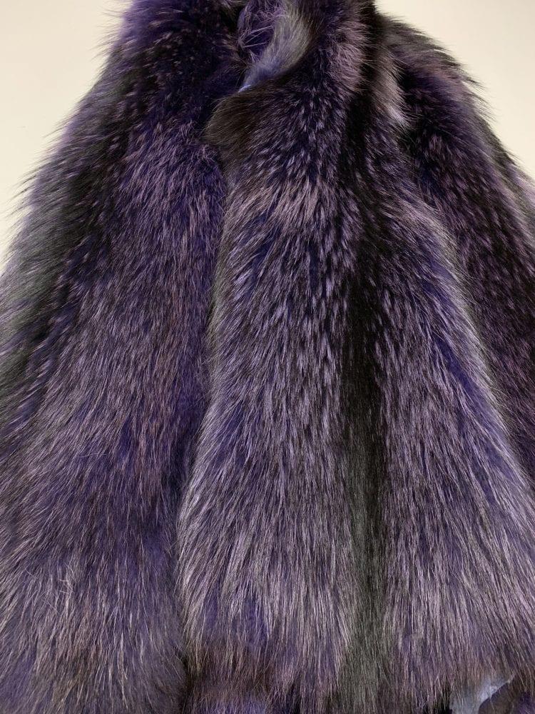 Шкурки енота фиолетовые