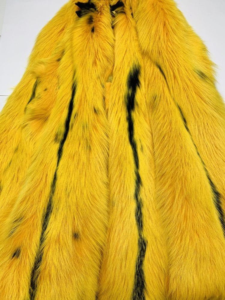 Шкурки лисы жёлтые