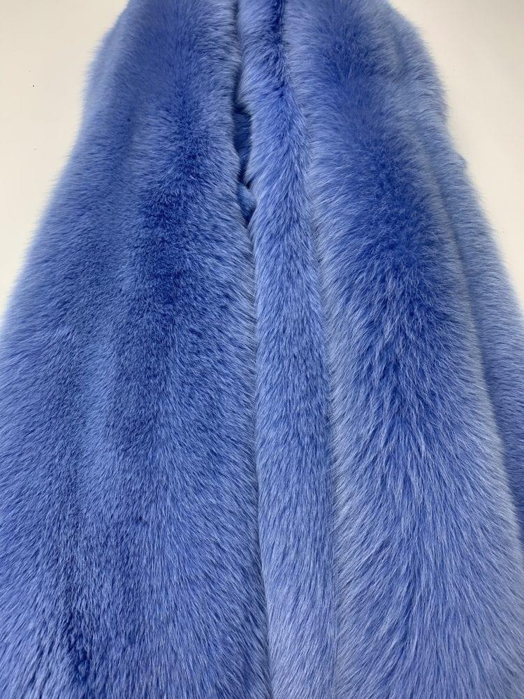 Песец цвет сине-лазурный