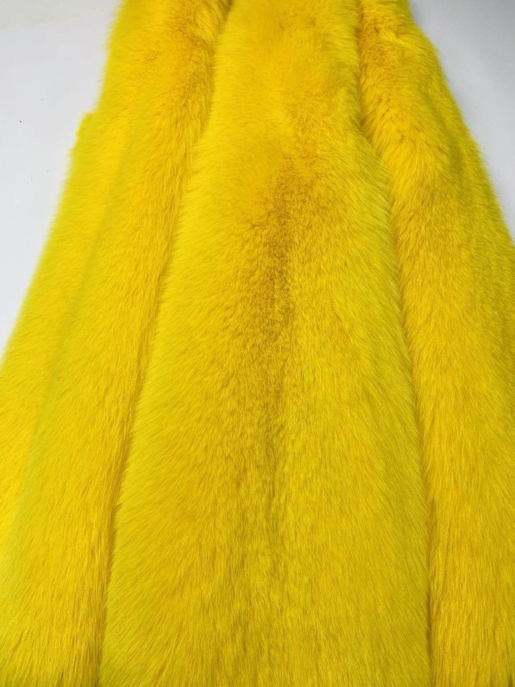 Шкурки песца цвет жёлтый