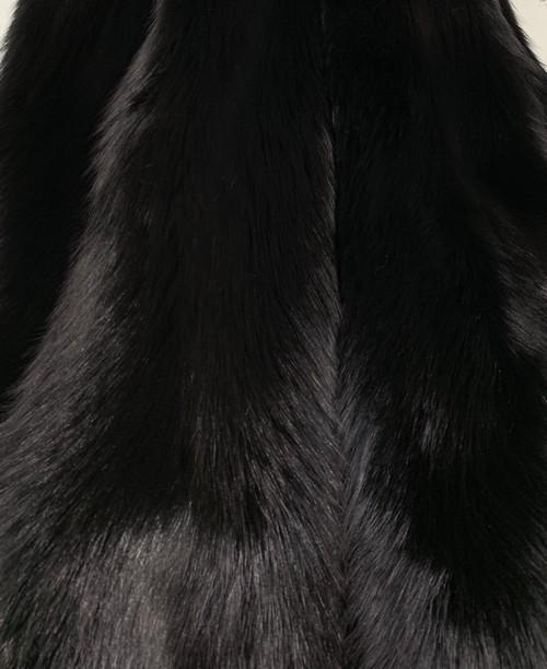 Мех черной лисы