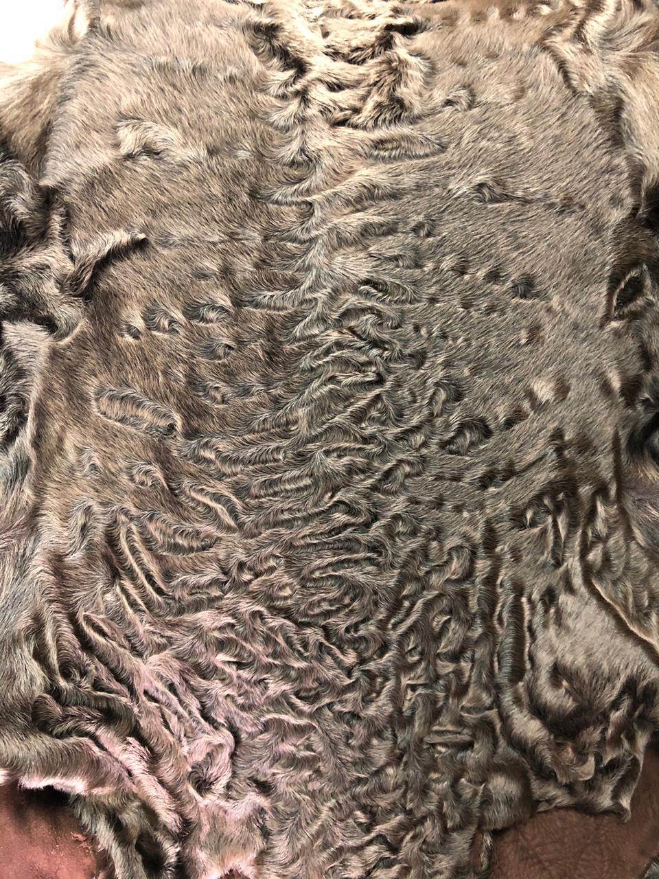 Шкурки каракуля сур (коричневые)